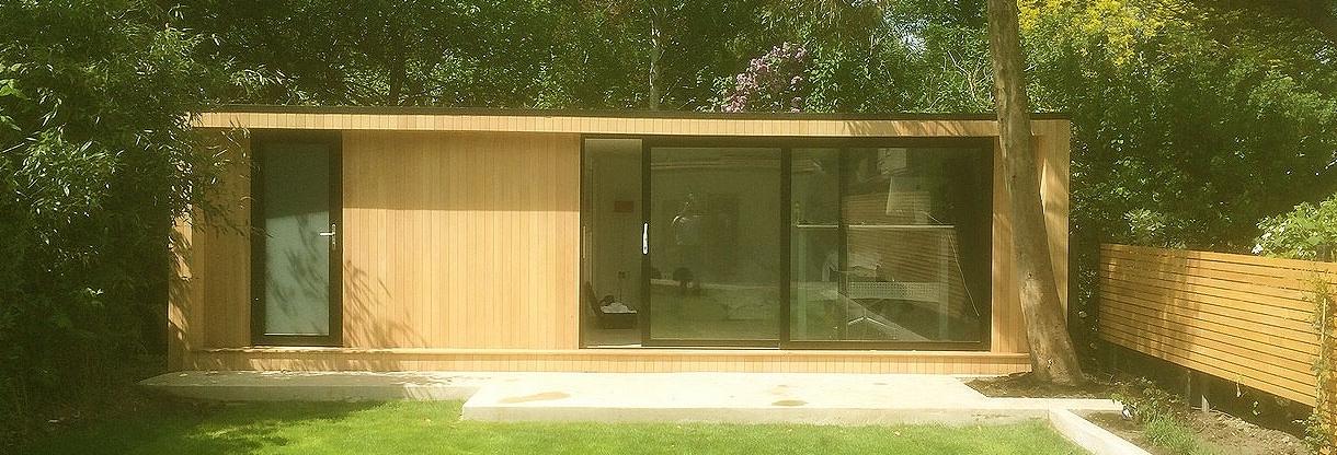 Bespoke luxury garden rooms ipswich uk outdoor studios for Outdoor rooms uk